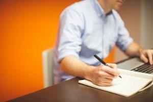Na obrazie jest zewnętrzny Pełnomocnik ISO w ramach outsourcingu ISO